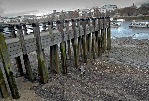 Thames side walk by Phillbri