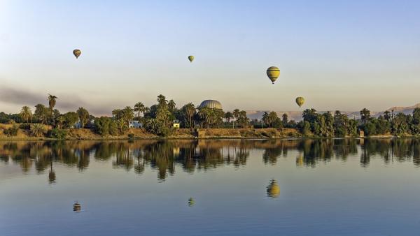 Sunrise balloon trips Luxor, Egypt by pdunstan_Greymoon