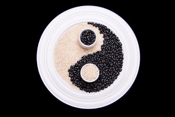 Yin and Yang by sitan1