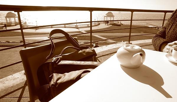 Teapot shot by dudler
