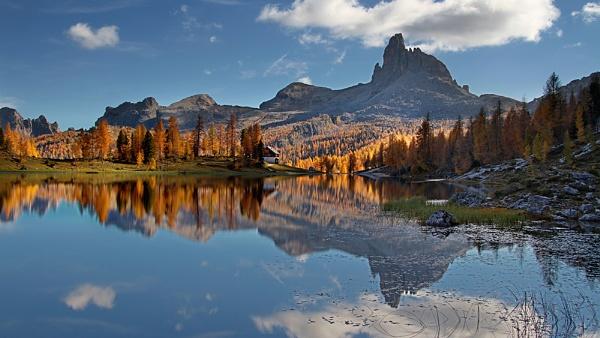 mountain lake by joze