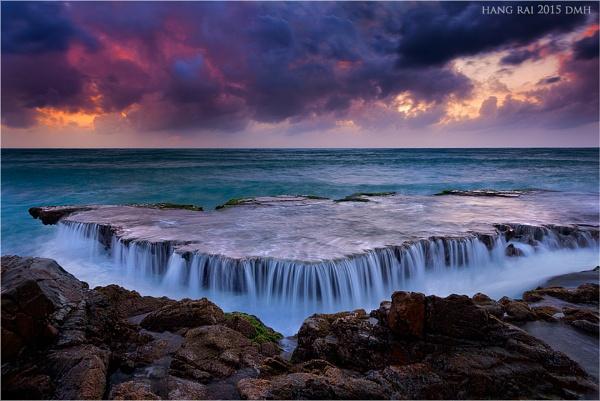 Stormy Sky by dmhuynh72