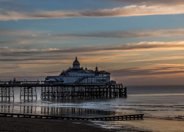 Sunrise Eastbourne by gary_carter