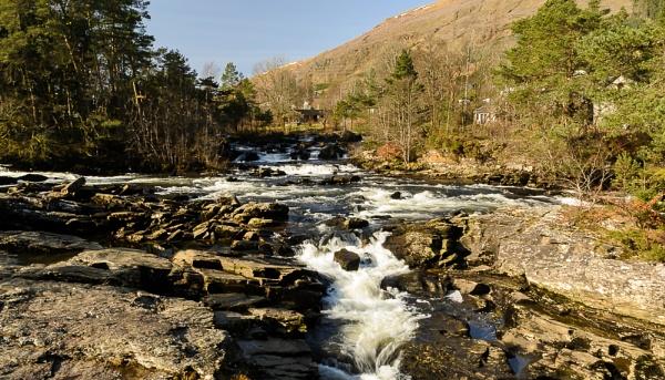 Falls of Dochart by billmyl
