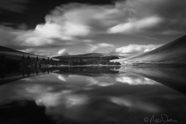 Beacons Reservoir by Mari
