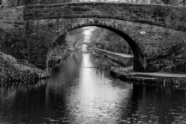 oli\'s bridge 2 bw by jimmymack