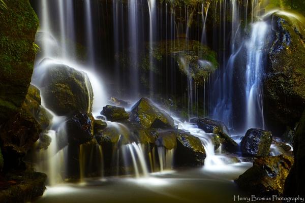 Leura Falls by AttractiveNerd