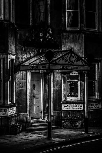 Newport  by night (Calvert\'s Hotel) by morpheus1955