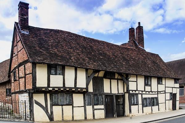 Tudor Cottages by GordonLack