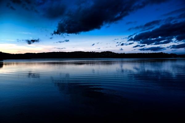 Dark Waters by jonathanbp