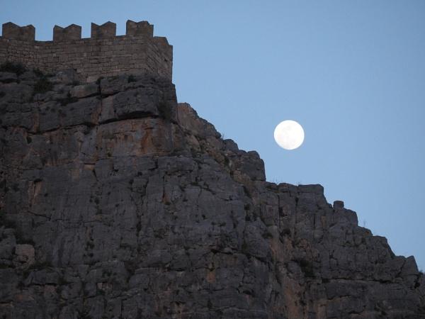 Moonrise, Lindos, Rhodes by dudler