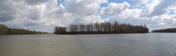 River of Tisza\'s curve by Laslo