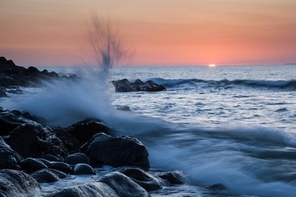 splash of sun by Akif