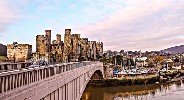 Conwy Castle by gwynn56