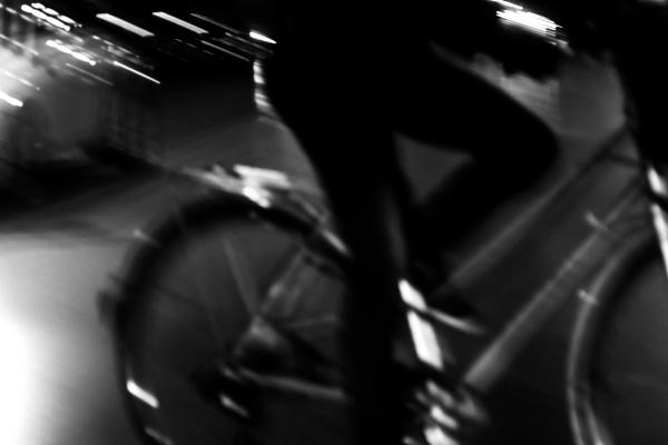 bike in motion by derrymaine