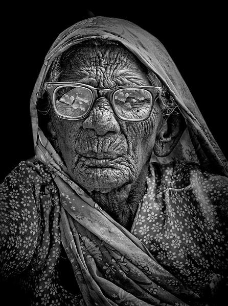 old matriarch of Bundi by sawsengee