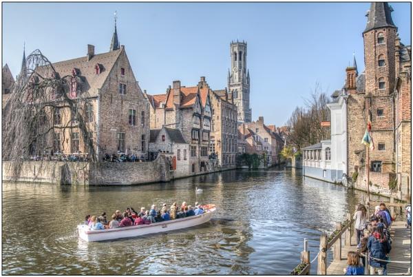 Dijver Canal by TrevBatWCC