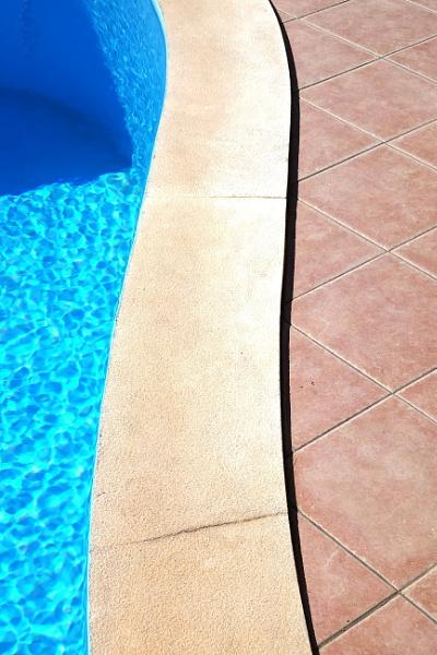 Poolside Curve by SteveBaz