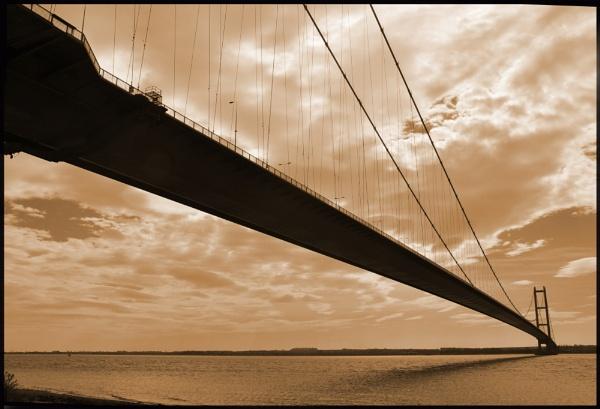 humber bridge by mrtower
