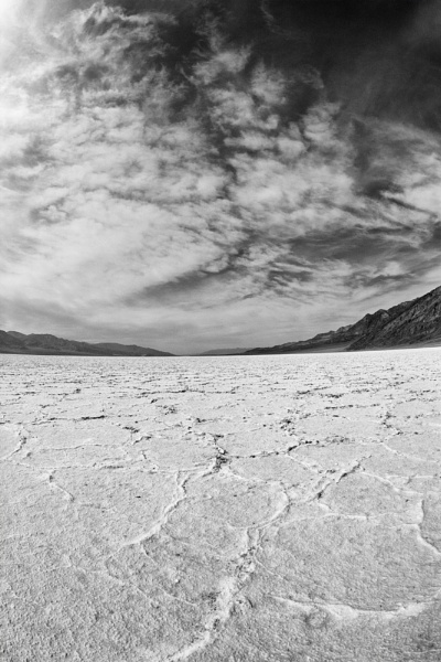 Death Valley floor by rontear