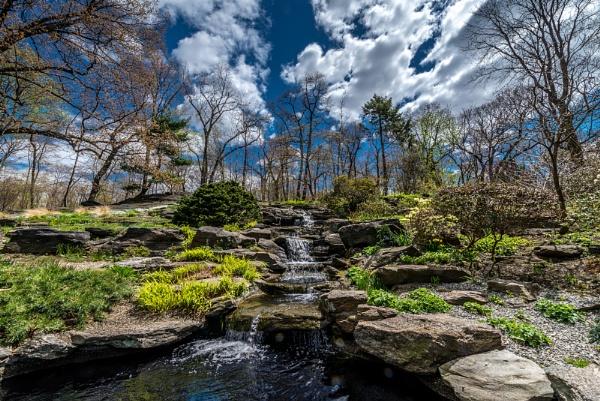Gentle Falls by TyChee