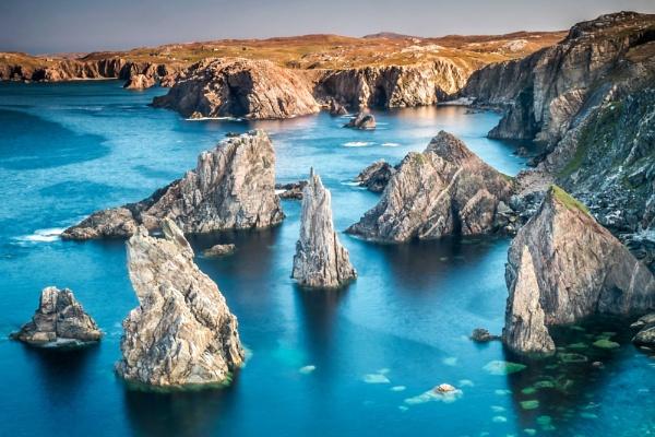 Mangersta Sea Stacks by braddy