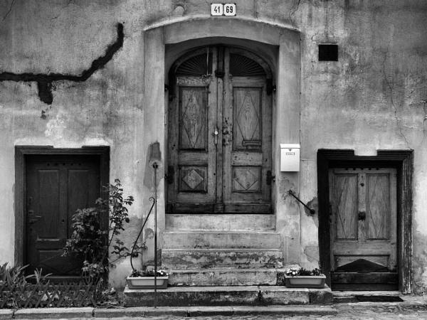 three doors by vice