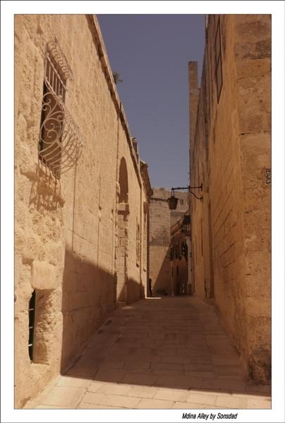 Mdina Alley by sonsdad