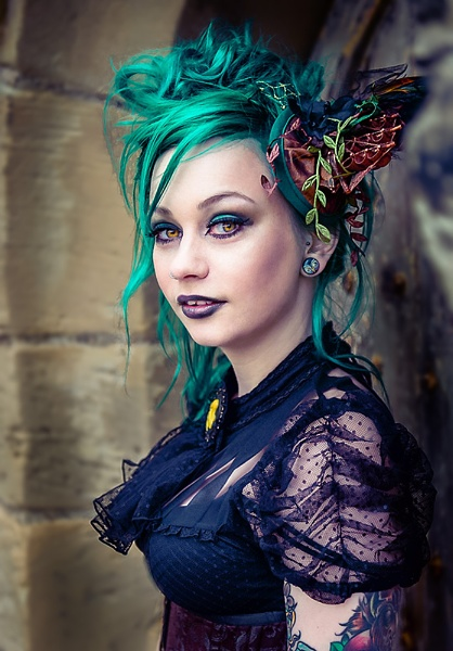 Green Goth by ugly