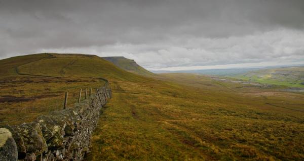 Peaks and Dales by Gavin_Duxbury