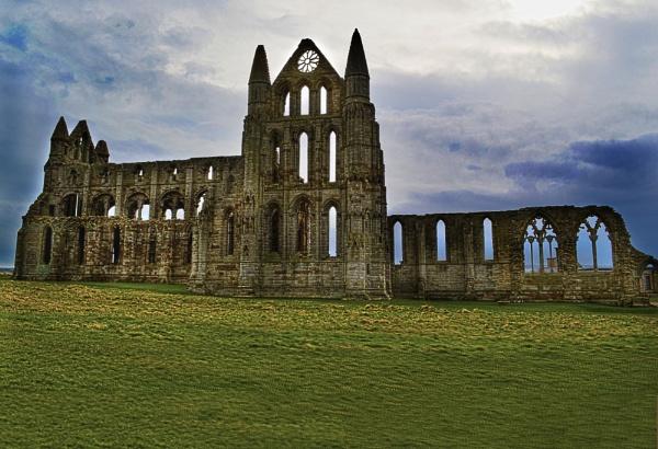whitby abbey by jimmymack
