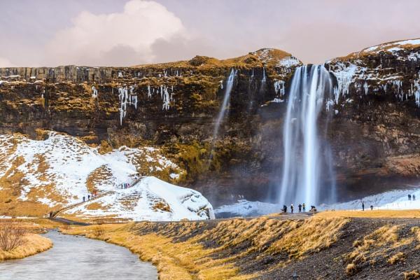 Seljalandsfoss Waterfall by SueLeonard