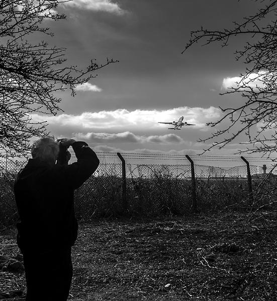 Plane Spotting by ednys