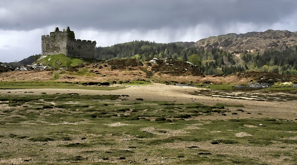 Castle Tioram, Moidart by malburns