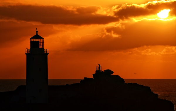 Sunset @ Godrevy Lighthouse by Psin