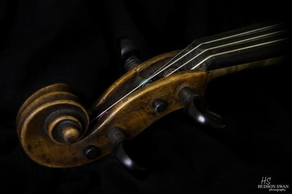 Violin Headstock by sunsetskydancer