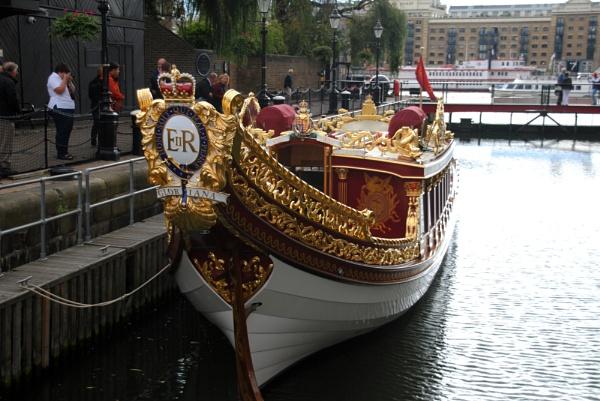 Glorianna (Royal Barge) ... by Chinga