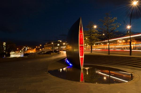 sheffield train station at night time by mogobiker