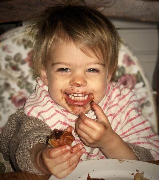 Leelah avec chocolatine by jacomes