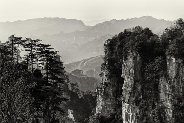 Zhangjiajie by gregl
