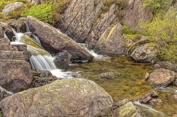 Afon Idwal by philhemsley