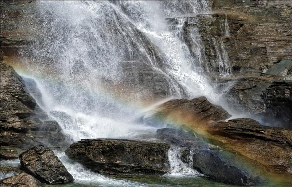 Norwegian waterfall, taste the rainbow! by teepee