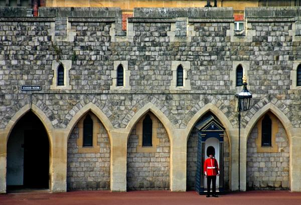 On Guard by nanpantanman