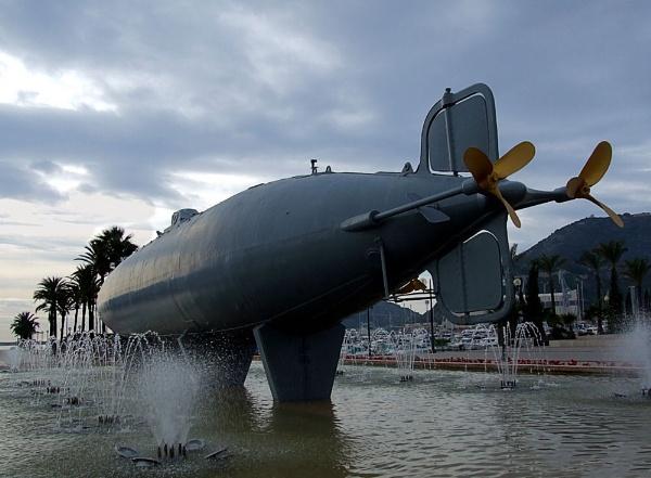 Peral Submarine by pamelajean
