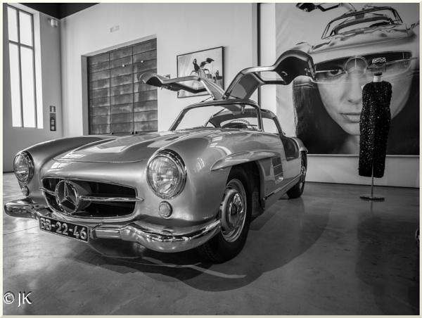 Mercedes Gullwing by BillyBunter