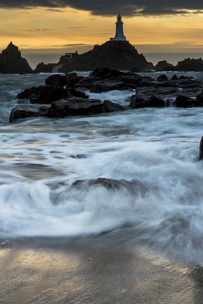 Restless waves by davemck