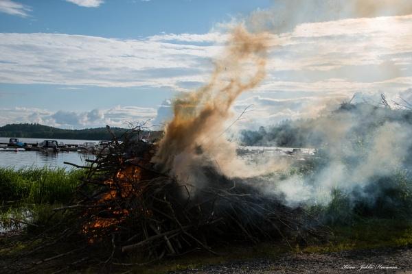 Midsummer Eves Bonfire. by Jukka