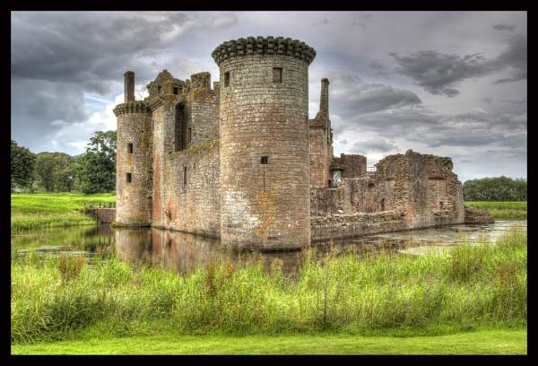 caerlaverock castle by callumcorrie
