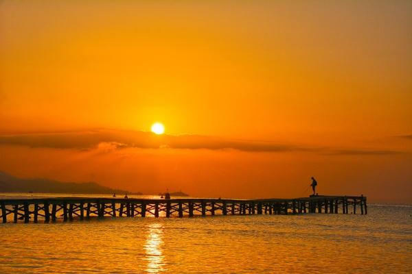 Sunrise,Alcudia, Majorca. by wulsy