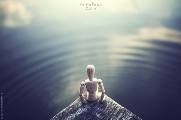 Mr.NoFace - Calm by Uher